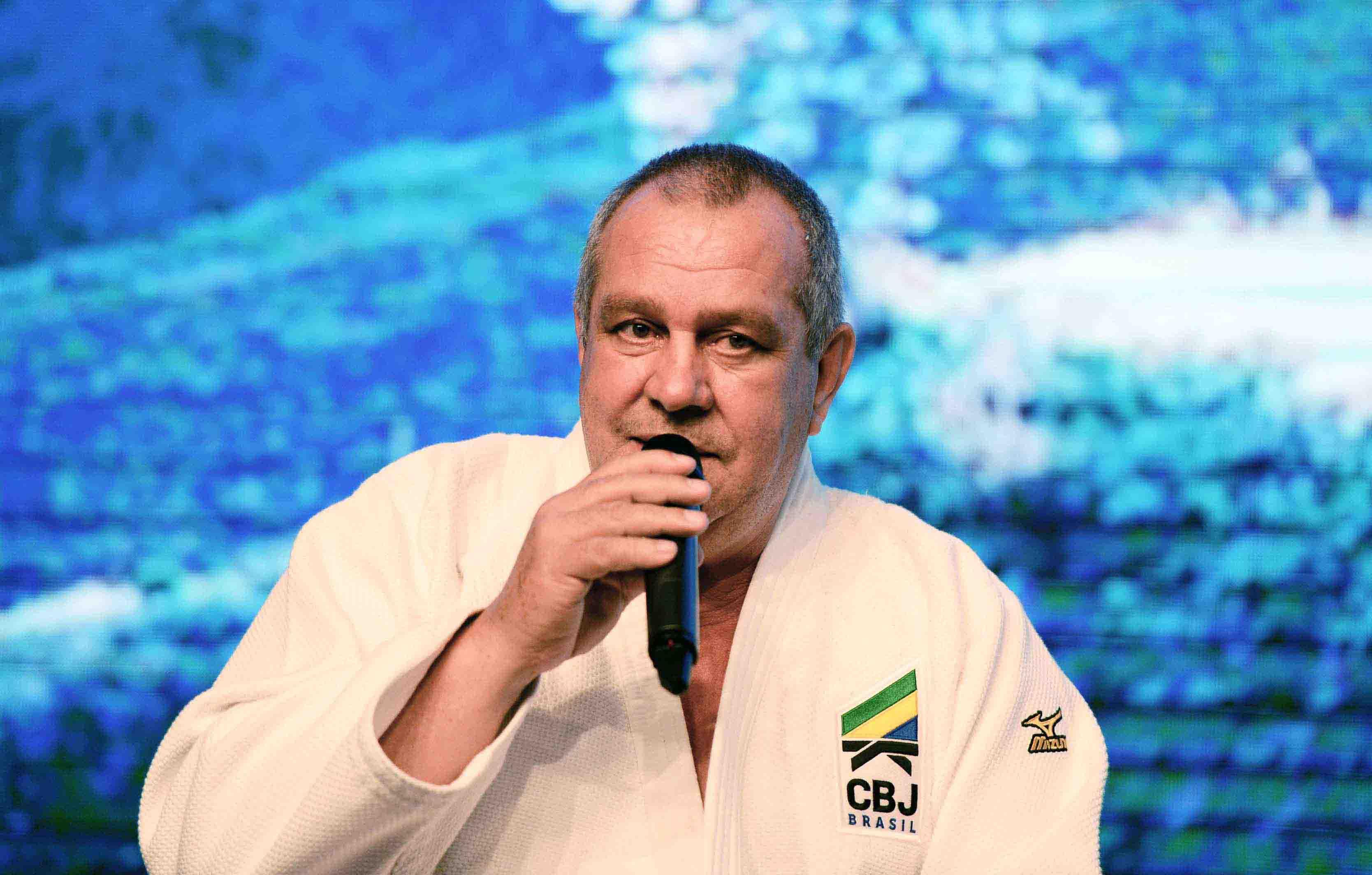 Presidente da CBJ desconhece graduação atribuída a professores paulistas