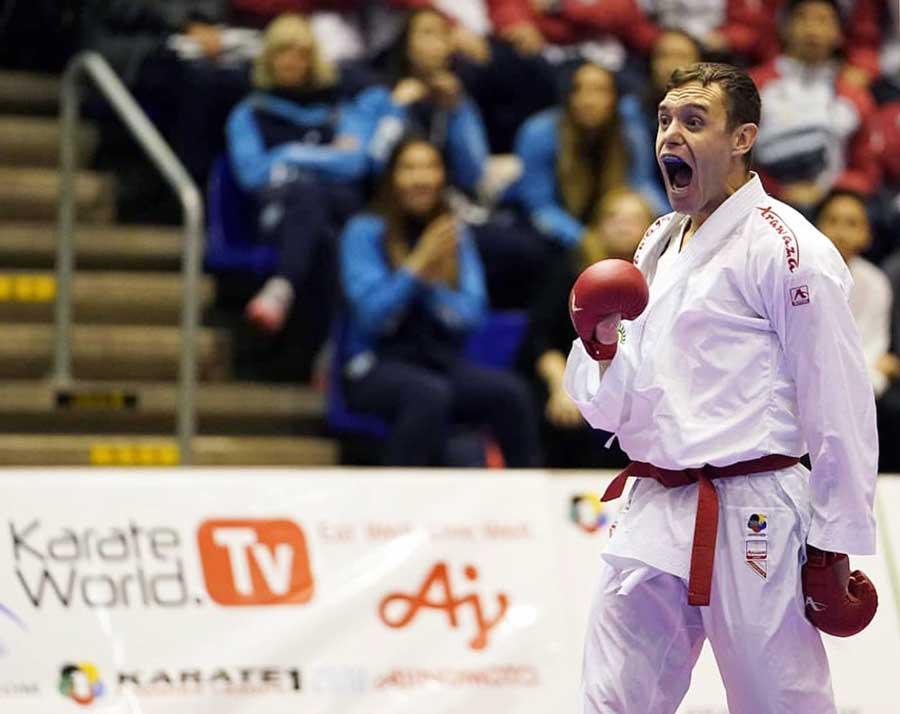 Em Roterdã, Douglas Brose conquista a medalha de bronze