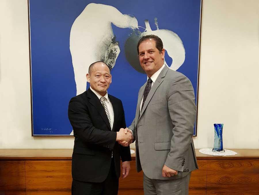 Cônsul geral do Japão de São Paulo recebe Alessandro Puglia e Hirotaka Okada