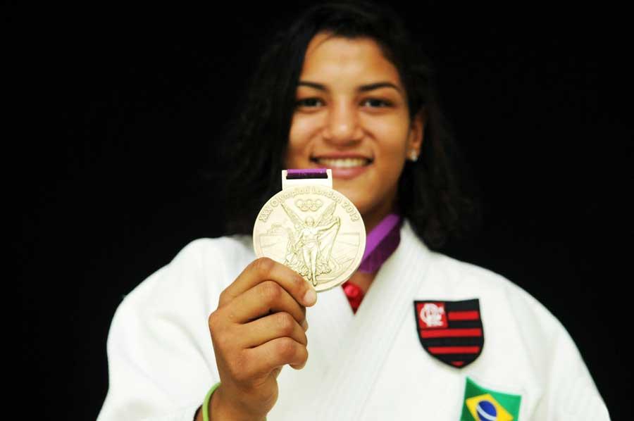 Sarah Menezes é anunciada como reforço do Flamengo