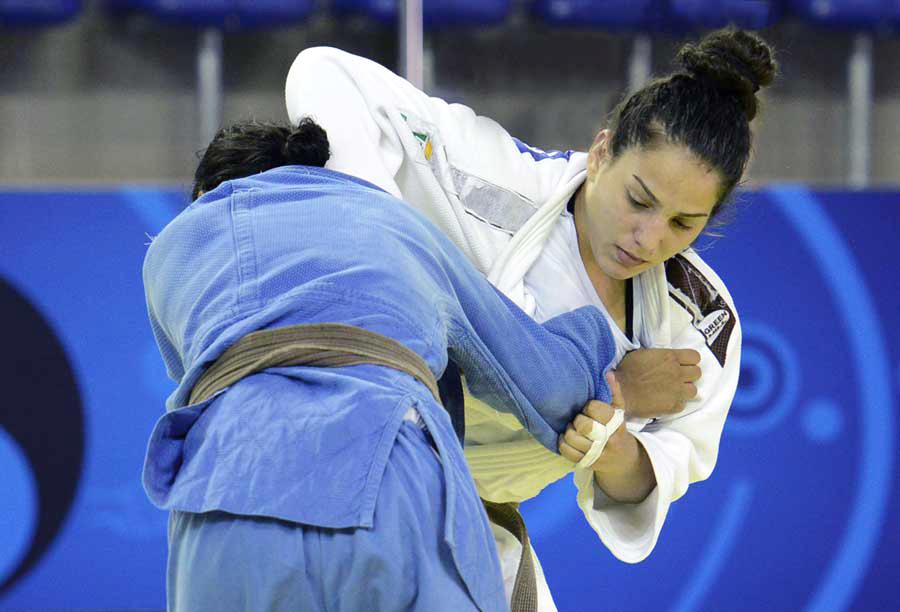 Judoca Samara Contarini sofre lesão grave na vértebra e passa por cirurgia