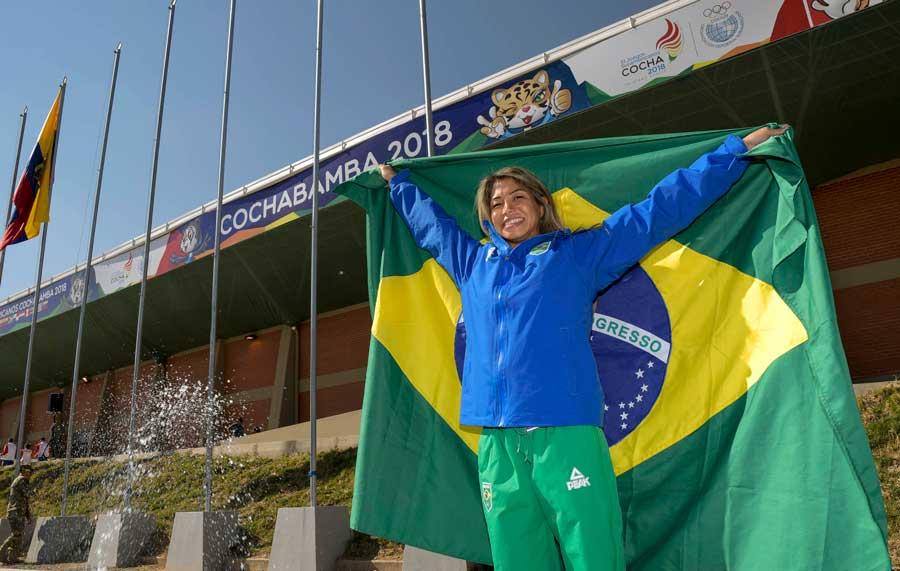Valéria Kumizaki será a porta-bandeira do Brasil na abertura dos Jogos Sul-americanos Cochabamba