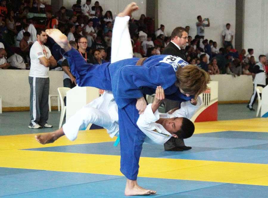 Sob o comando da FPJudô, o Campeonato Paulista Estudantil tem presença recorde de atletas