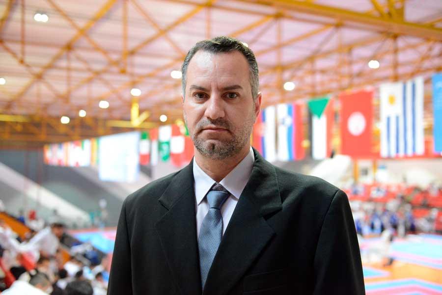 Presidente da FKTPr dá boas-vindas aos karatecas de mais de 30 países que desembarcaram em Curitiba
