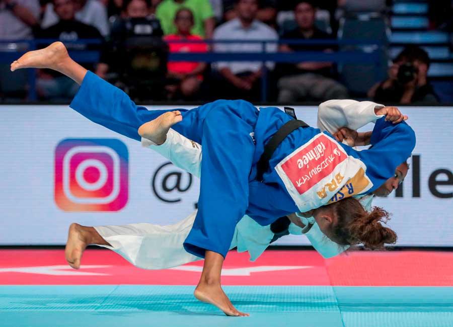 Rafaela Silva, apresenta defesa em caso de doping e espera resultado em até uma semana