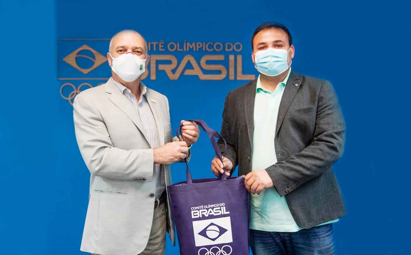 Paulo Wanderley, presidente do COB, recebe visita do prefeito do sua cidade natal