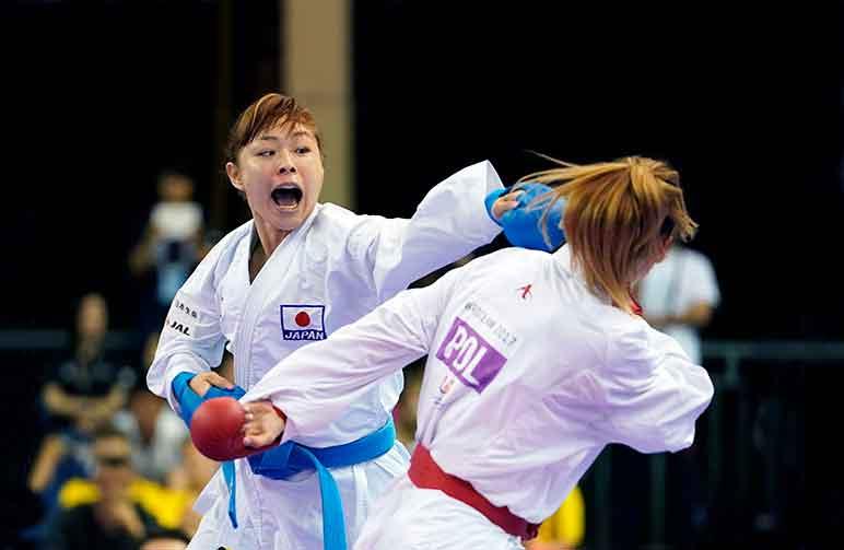 Karateca japonesa faz acusação de assédio moral, e dirigente renuncia ao cargo