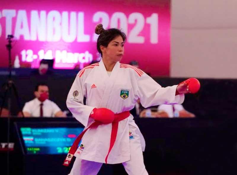 Com karatê estreando nos Jogos de Tóquio, multicampeã Valéria Kumizaki quer redenção aos 36 anos