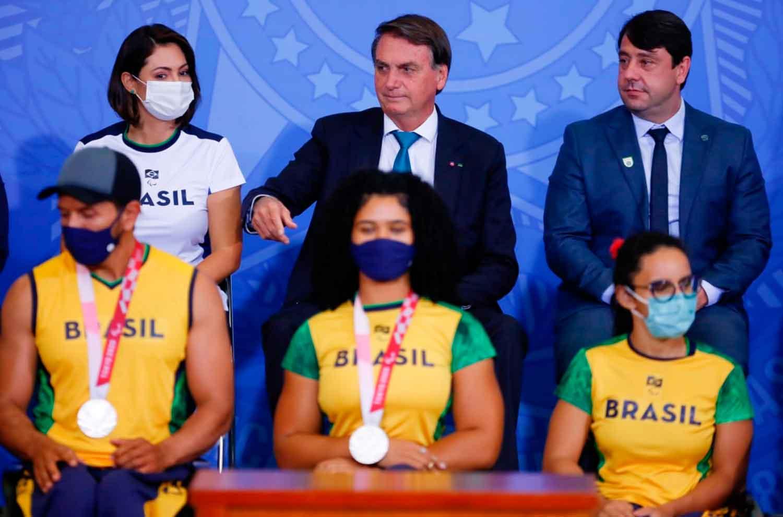 Atletas olímpicos e paralímpicos são recebidos pelo presidente Jair Bolsonaro em Brasília